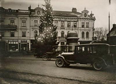 Julgran på Gustav Adolfs torg Malmö 1930-tal
