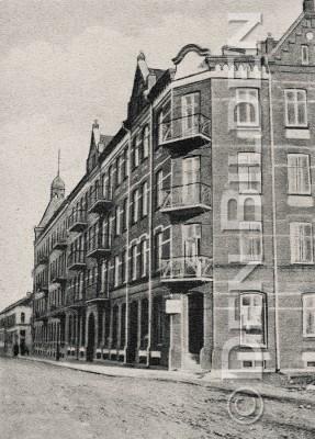 Skolgatan 30 och Kristianstadsgatan 2 omkring 1890 kolla datum stämplat 1906-R