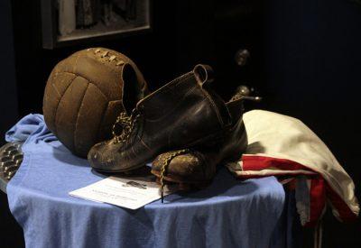 fotboll-ar-mer-an-bara-fotboll